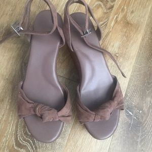 796bd69396b2 Joie platform sandals size 7.5